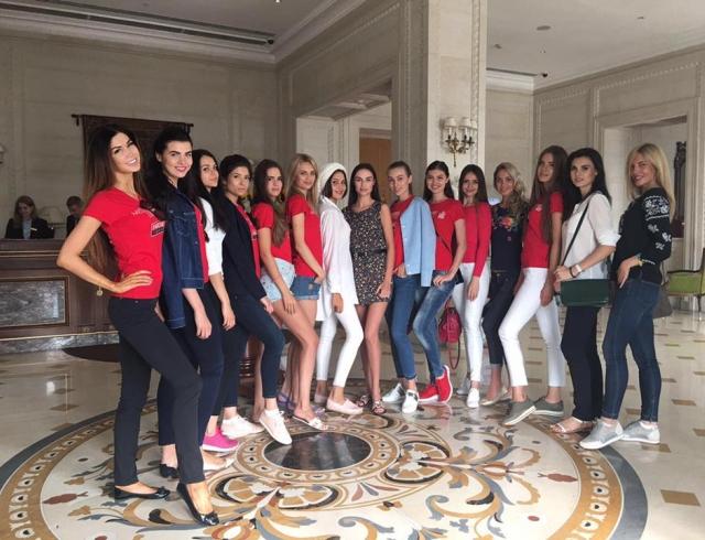 Мисс Украина Вселенная 2016: как красотки готовятся к финалу (дефиле, селфи, фотосессии)