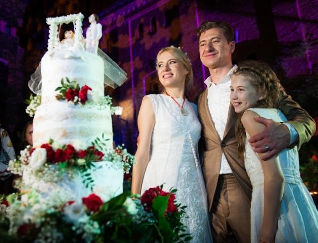 Свадьба Ольги Горбачевой и Юрия Никитина: торжество в замке в украинском стиле
