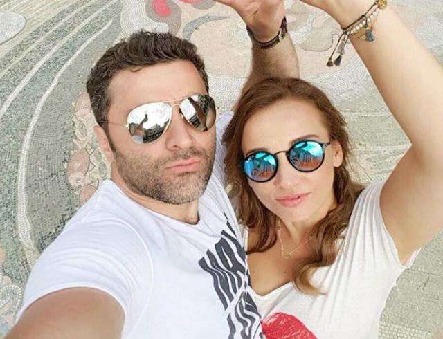 Как отдыхают звезды: Анфиса Чехова с мужем и сыном в Греции (ФОТО)