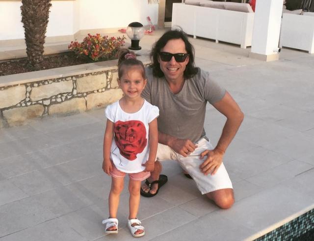 Секс с 6 летней дочка и папа