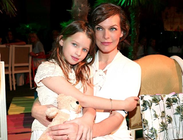 Новая фотосессия Миллы Йовович с дочкой: 9-летняя Эвер Габо растет точной копией мамы (ФОТО)