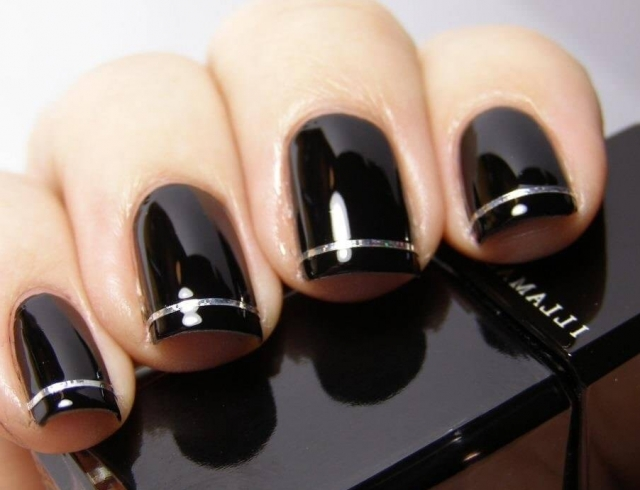 Дизайн ногтей чёрные