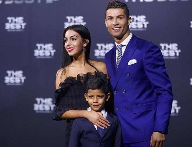 Криштиану Роналду сделал предложение Джорджине Родригес-ის სურათის შედეგი