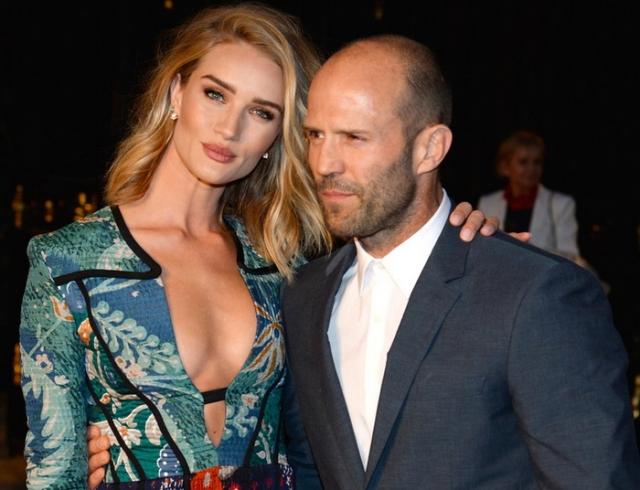 Стэтхэм и его девушка беременна