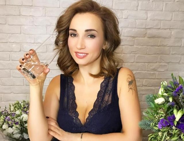 Сасое сексуальное видео с анфисой чеховой