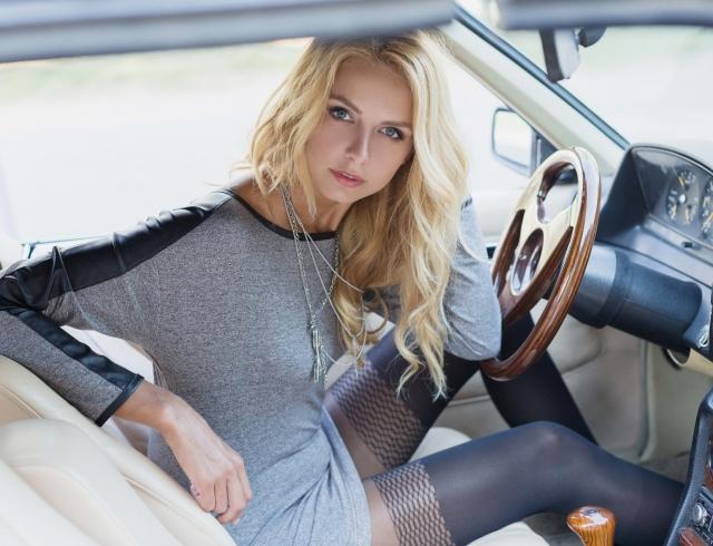 Женское нижнее белье чулки колготки реклама фото видео моделями