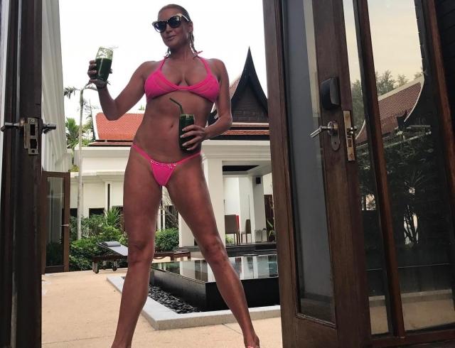 После скандала с Аленой Водонаевой Анастасия Волочкова решила показать, как привести себя в форму