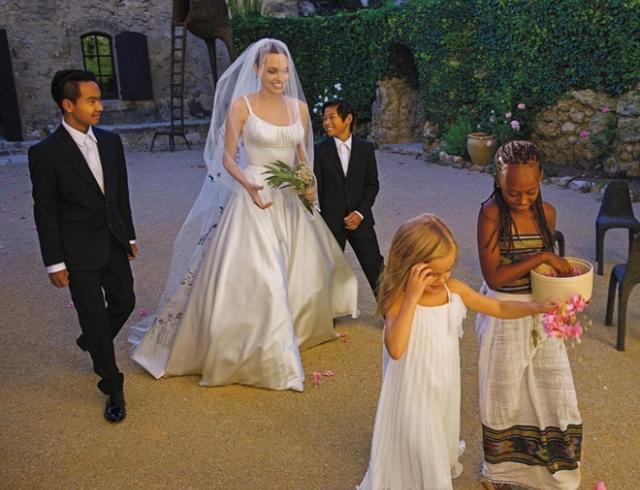 Свадьба анджелины джоли фото