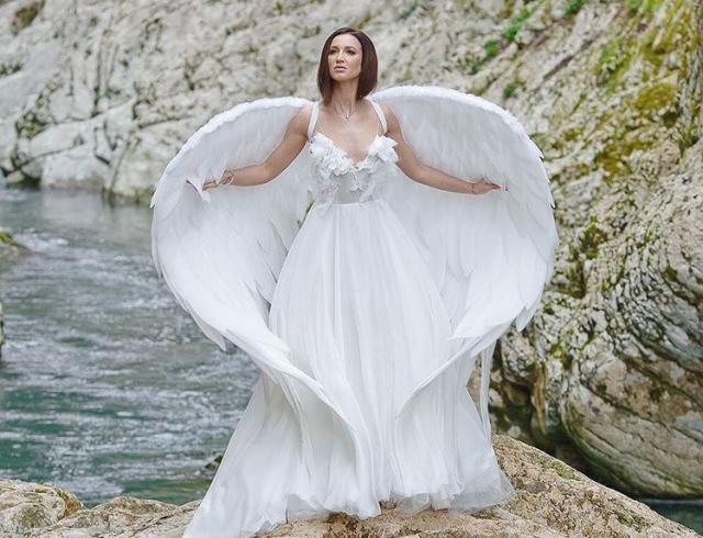 Платье на бузовой свадебное