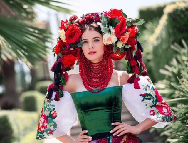 Украинка Сподинюк Елена одолела вмеждународном конкурсе супермоделей