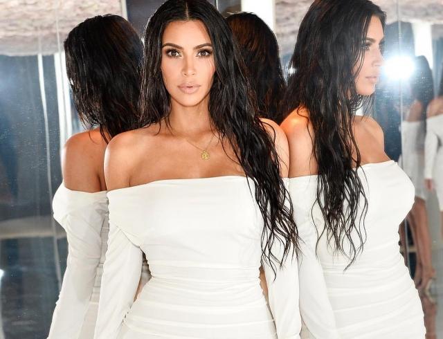"""Ким Кардашьян про скандал с фотошопом: """"Я уверена, что люди намеренно отфотошопили мои снимки в худшую сторону"""""""