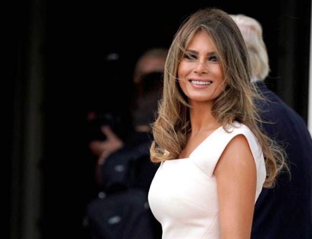 Мелания Трамп восхитила нежным образом в розовом платье-футляре (ФОТО)
