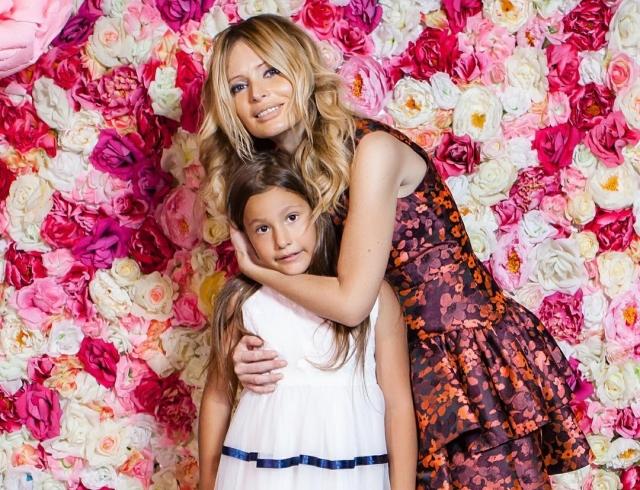 Дана Борисова записала трогательное обращение кдочери
