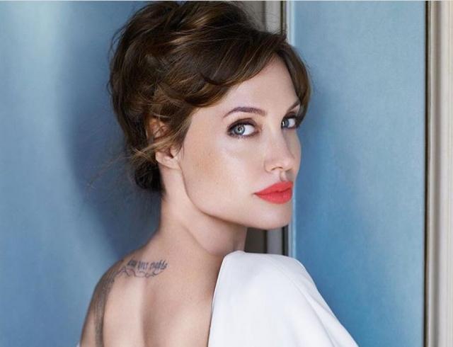 Vanity Fair защитил свою репутацию, опубликовав расшифровку записи интервью сАнджелиной Джоли