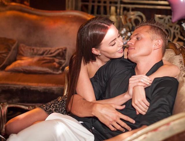 Дмитрий Тарасов и Анастасия Костенко отметили новоселье в шикарном доме: пару обвинили в подлости по отношению к Ольге Бузовой