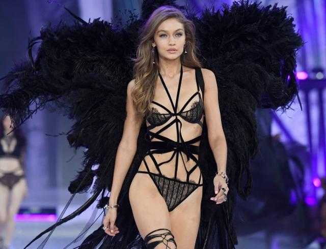 Эшли Грэм стала «моделью» Victoria