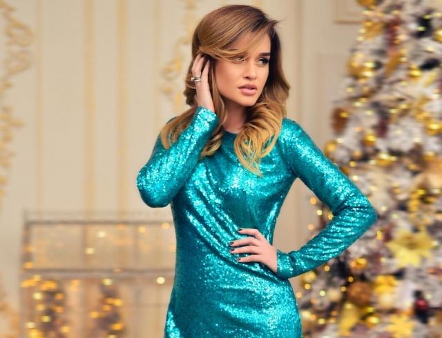 Платье на Новый год 2018  Ксения Бородина показала, в чем встречать ... eec0f4c1368