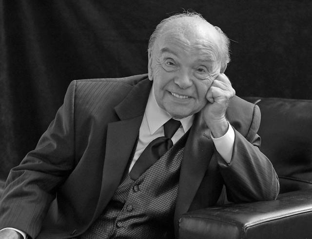 Умер Владимир Шаинский, композитор и автор музыки для мультфильмов про Чебурашку и Крокодила Гену