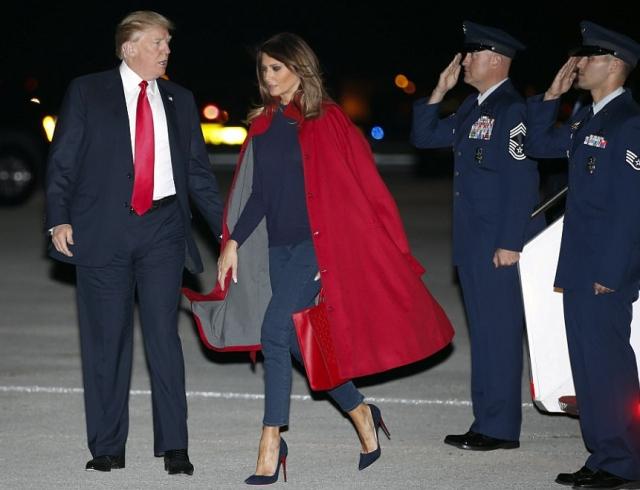 Мелания Трамп отказалась фотографироваться смужем, проигнорировав его