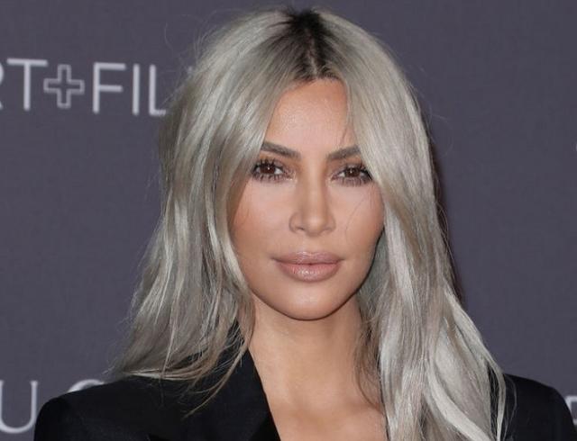 Ким Кардашьян впервый раз показала публике своего 3-го ребенка