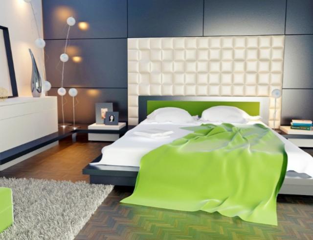 Секси спальня с зеркалом на потолке