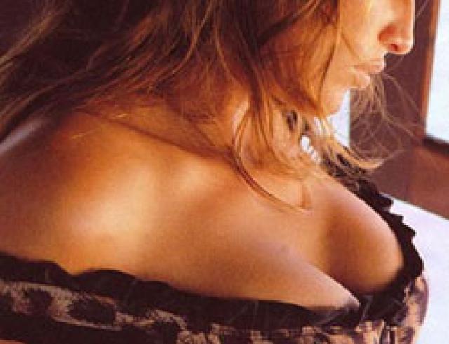 Возбужденные красивая грудь фото высокого разрешения смотреть онлайн как трахнуть транссексуалку