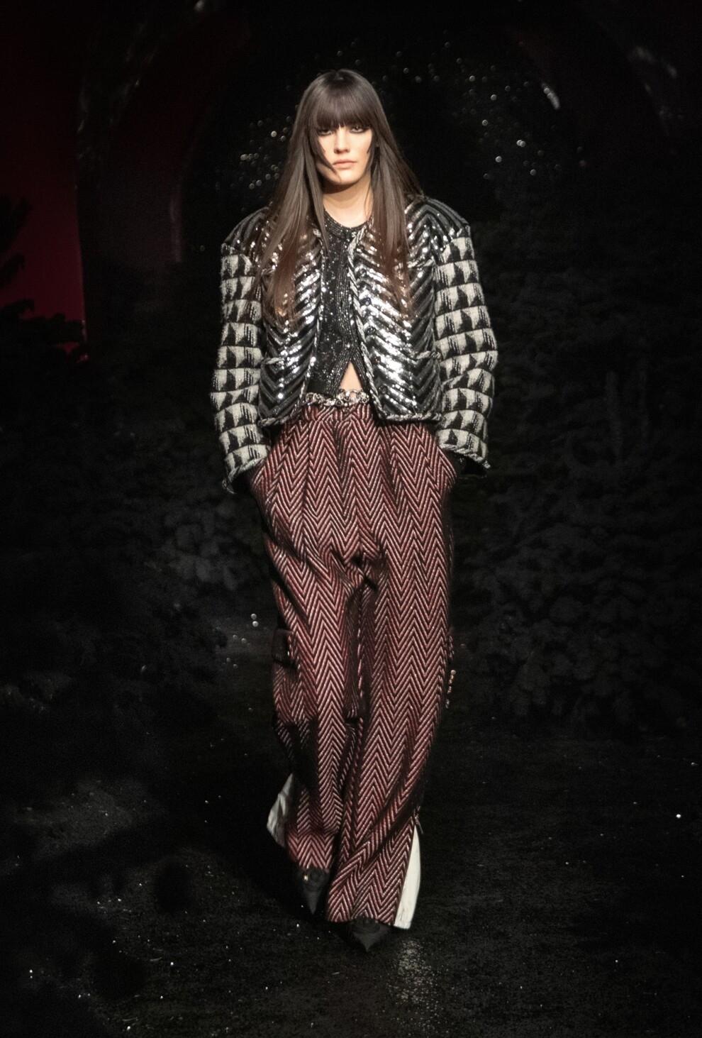 Богемный шик 70-х, люрекс и пайетки в новой коллекции Chanel (ФОТО) - фото №2