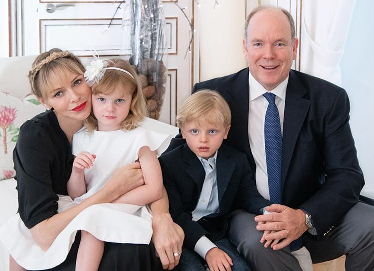 """""""Мы легкая мишень"""": князь Монако Альбер II впервые прокомментировал слухи о расставании со своей женой - фото №2"""