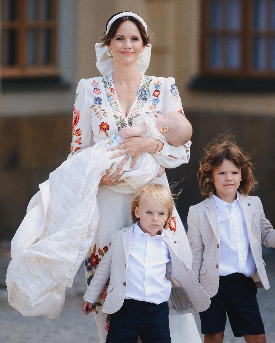 Шведский принц Карл-Филипп ипринцесса София крестили 4-месячного сына (ФОТО) - фото №2