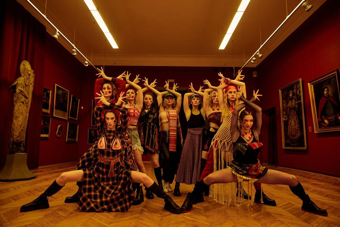 Премьера: ROXOLANA и Нина Матвиенко представили хип-хоп трек на стихи Ивана Франко - фото №5