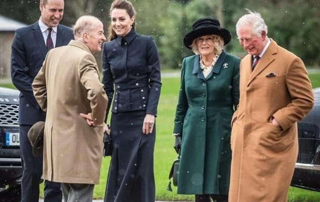 Инсайдеры рассказали, как принц Чарльз справляется с коронавирусом | H