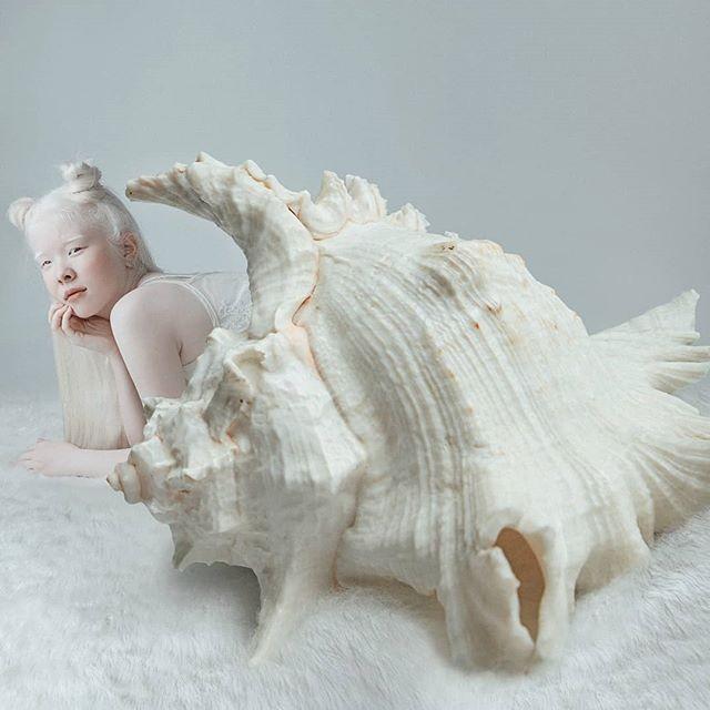 Неземные! Сестры-альбиносы из Казахстана стали востребованными моделями (ФОТО) - фото №2