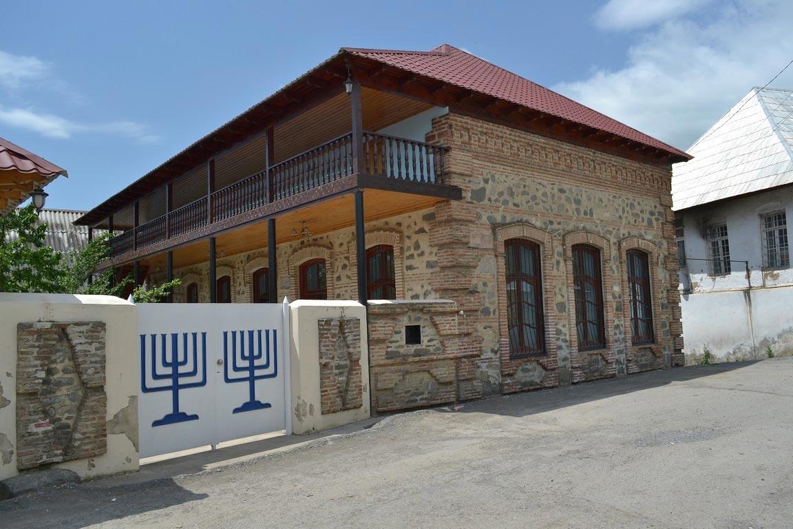 Уникальное еврейское наследие Азербайджана: синагоги, музеи и живописные селения в горах (ФОТО) - фото №1