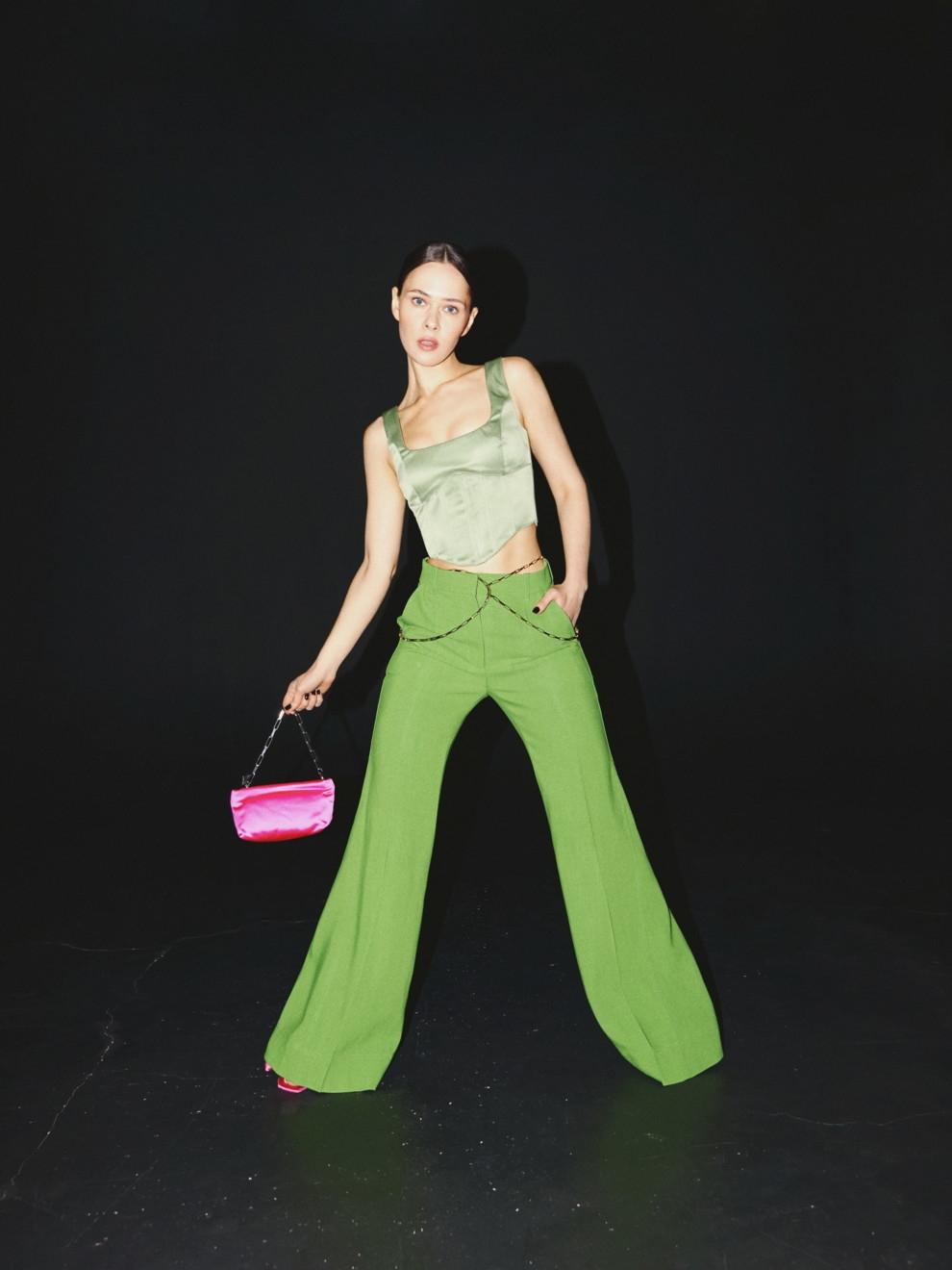 В соблазнительных корсетах и неоновых колготках: Юлия Санина снялась для Vogue (ФОТО) - фото №4