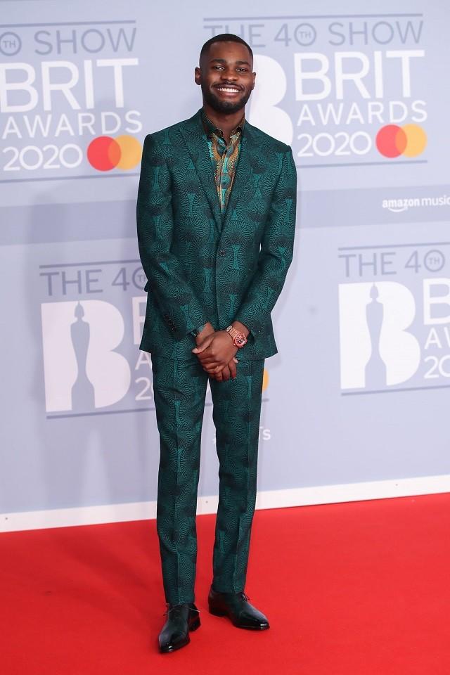 Там был MONATIK: обзор лучших образов с красной дорожки Brit Awards (ФОТО) - фото №9