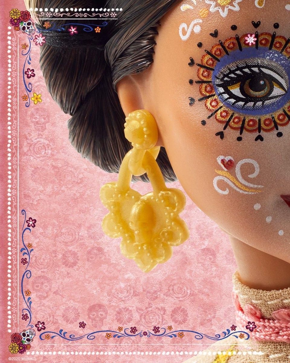 Страшно красиво: Mattel выпустят куклу Барби ко Дню мертвых - фото №3