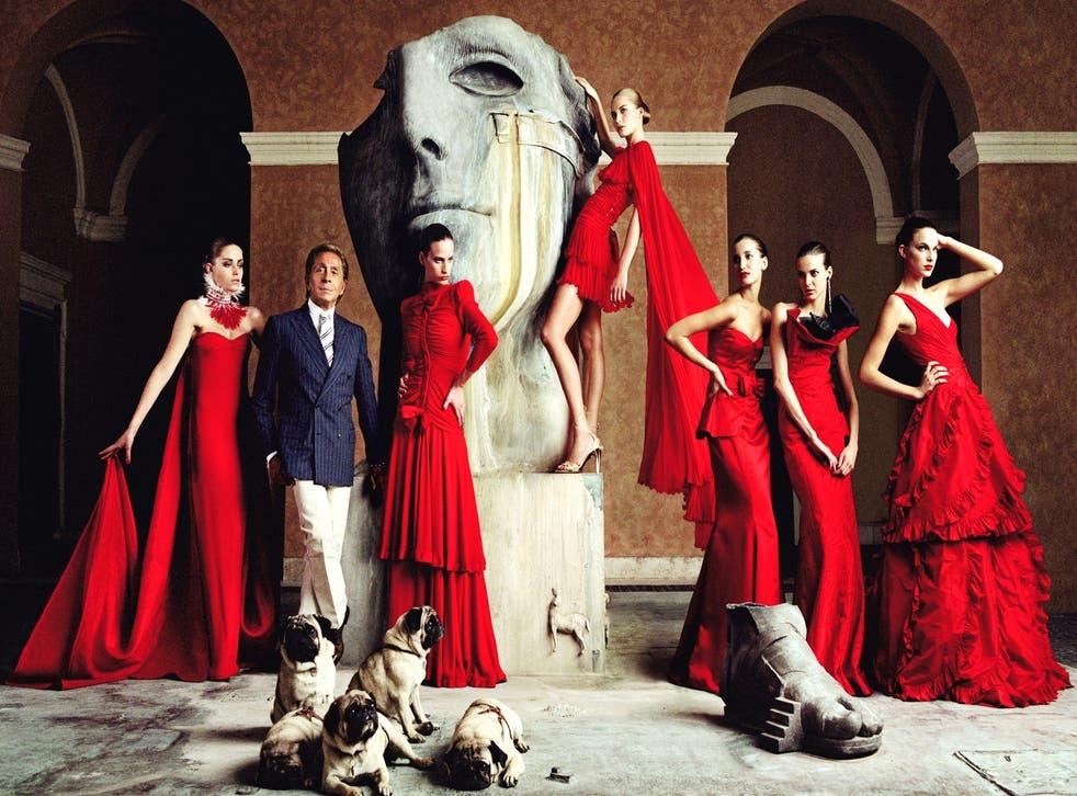 Курс на устойчивость: Valentino откажутся от натурального меха - фото №2
