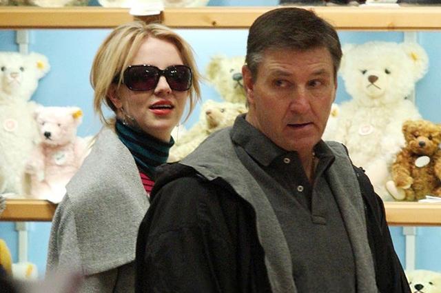 Бритни Спирс больше никогда не выйдет на сцену, если ее опекуном останется отец - фото №1