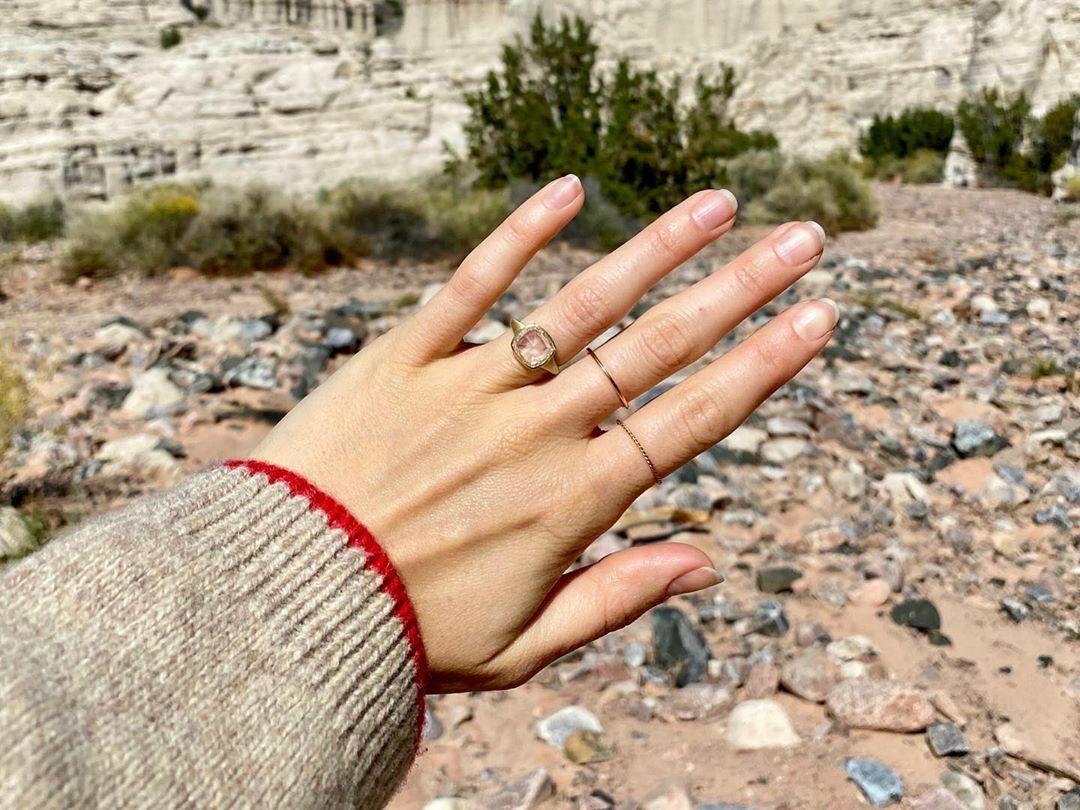Лили Коллинз помолвка фото