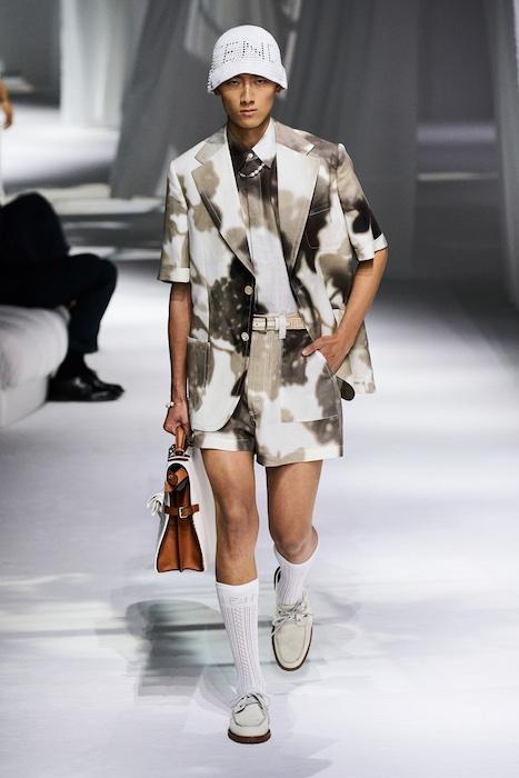 Неделя моды в Милане: Fendi выпустили коллекцию, вдохновленную карантином и пандемией (ФОТО) - фото №3