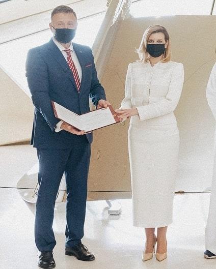 В женственном костюме и лодочках: Елена Зеленская поразила новым выходом в Катаре (ФОТО) - фото №5