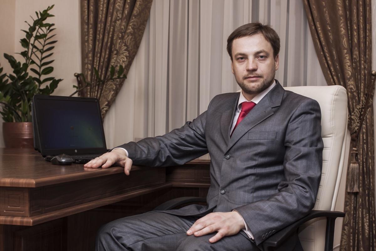 Денис Монастырский стал новым главой МВД: что нужно знать о нем - фото №2