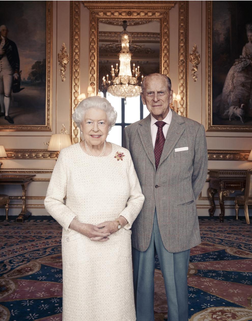 Королевское перемирие: принцы Гарри и Уильям с супругами обменялись рождественскими подарками - фото №3