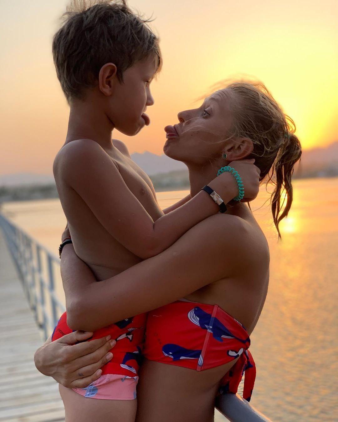 TAYANNA и сын Даниэль фото