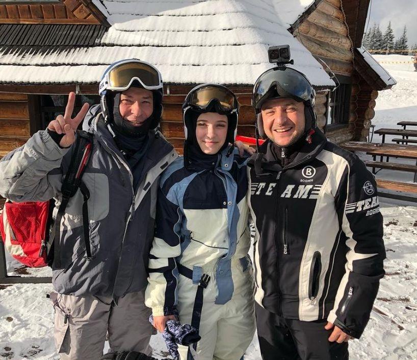 Все ближе к народу: Владимир Зеленский отдыхает на горнолыжном курорте в Буковеле - фото №2