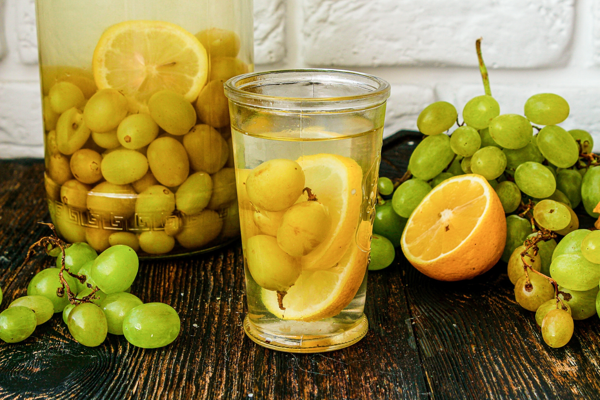 компот из винограда с лимоном