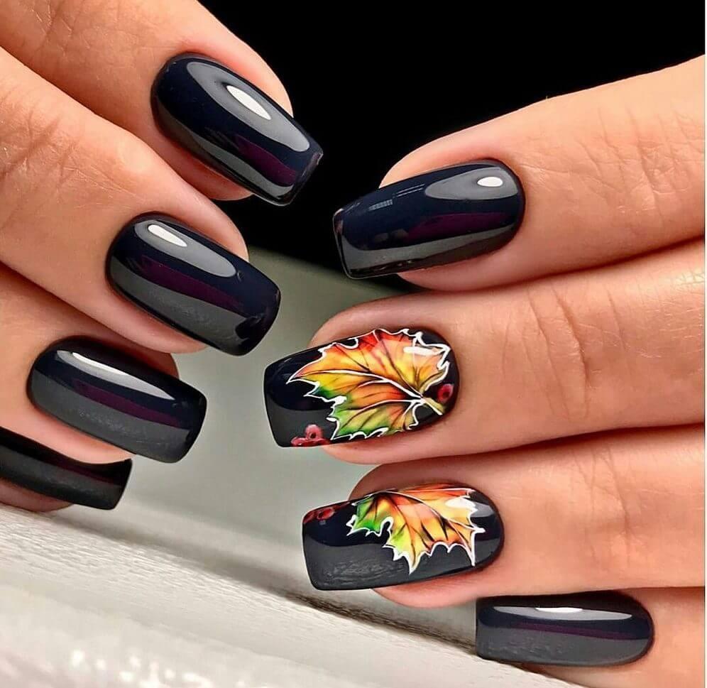 Маникюр с рисунками осенних листьев: лучшие варианты дизайна ногтей - фото №12