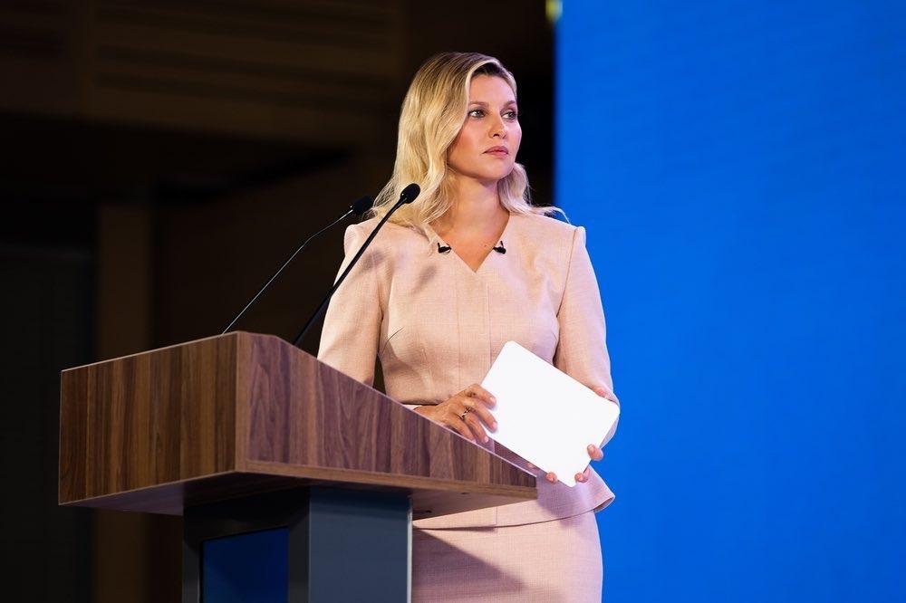 Сама нежность: первая леди Елена Зеленская показала женственный образ (ФОТО) - фото №2