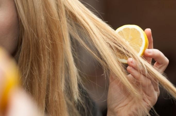 Как осветлить волосы в домашних условиях: лучшие натуральные средства - фото №1