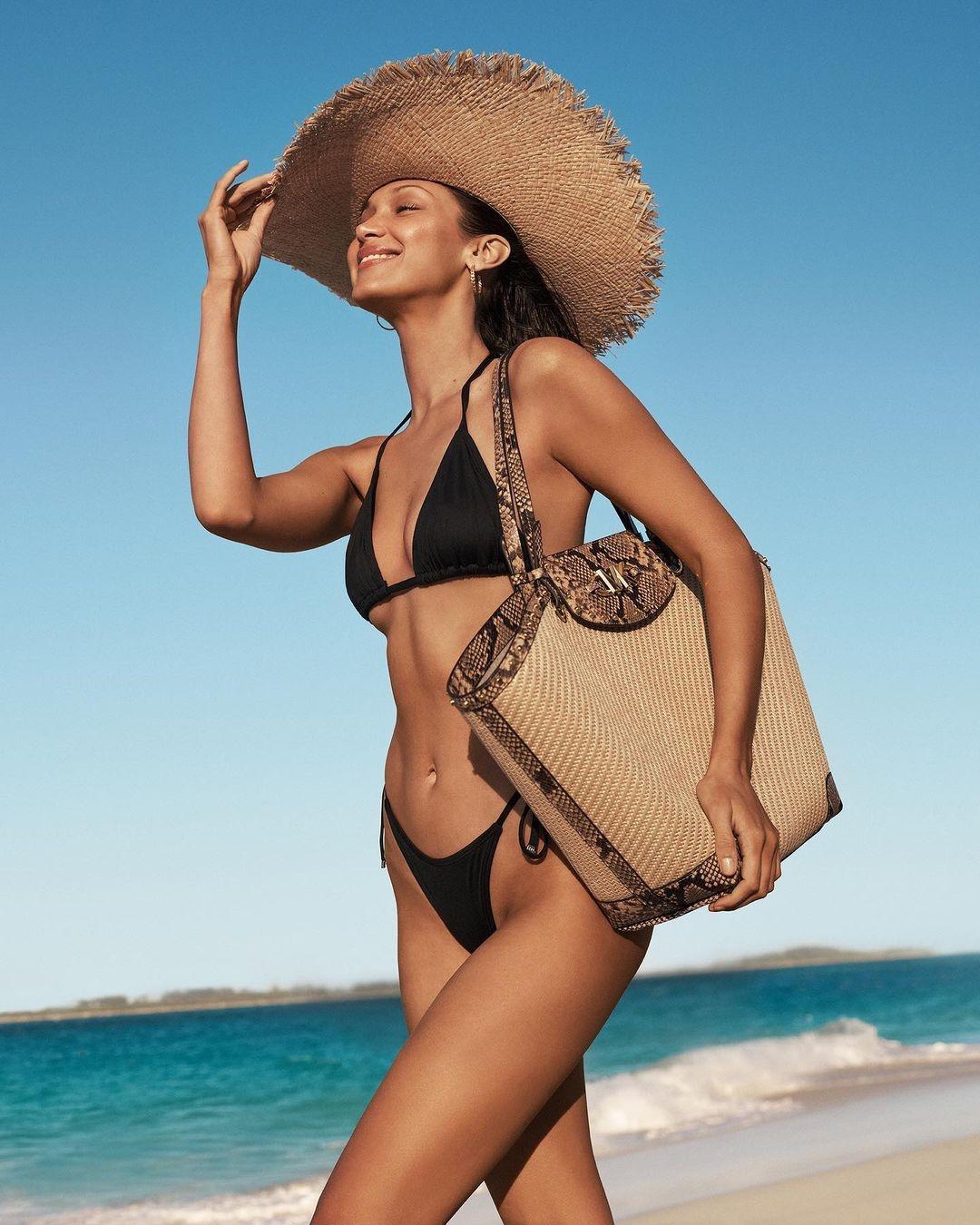 Белла Хадид показала самые модные сумки 2021 года в новой рекламе Michael Kors (ФОТО) - фото №1